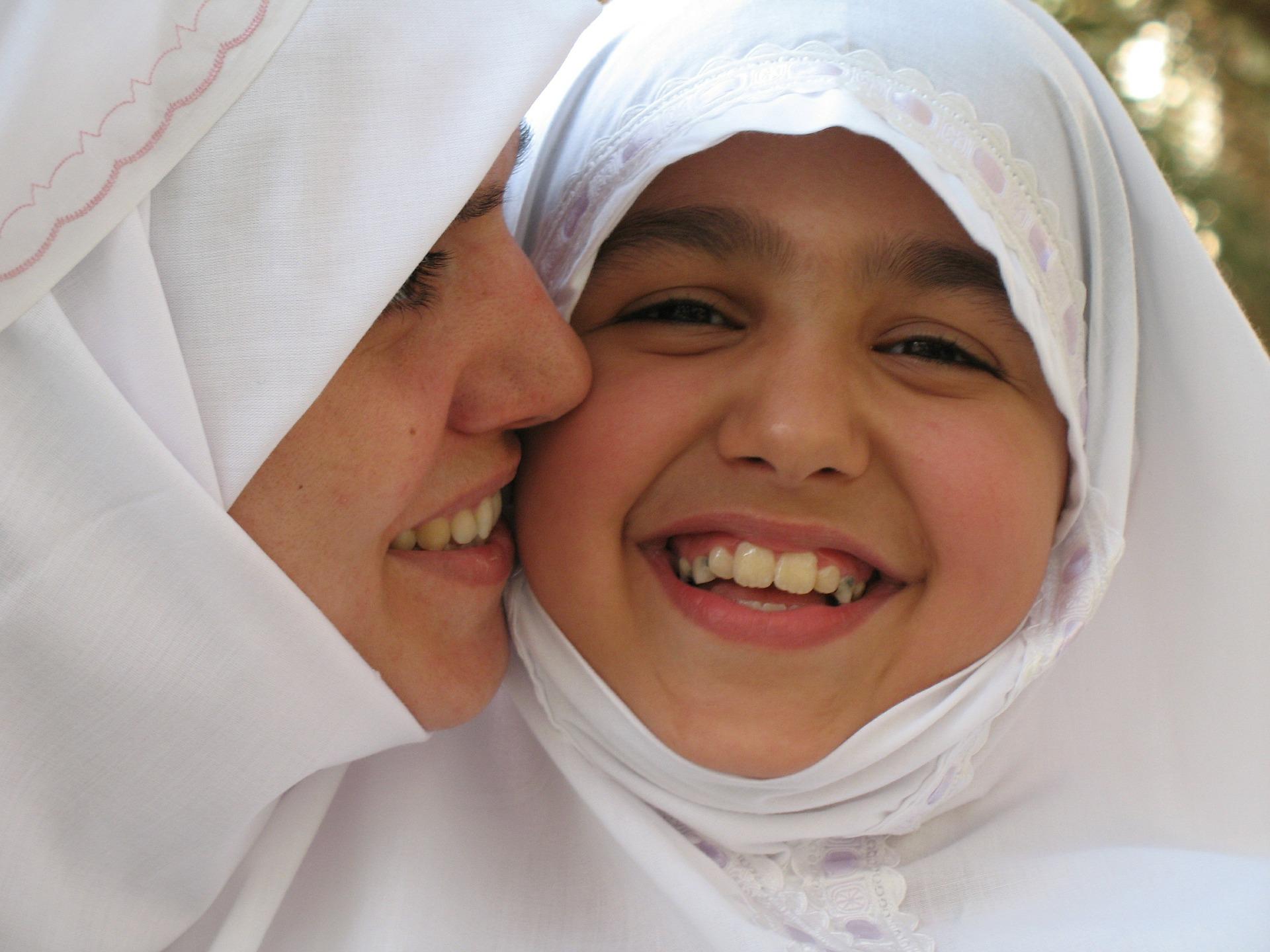 kasih sayang ibu - artikel kasih sayang ibu kepada anaknya - contoh kasih sayang ibu kepada anaknya